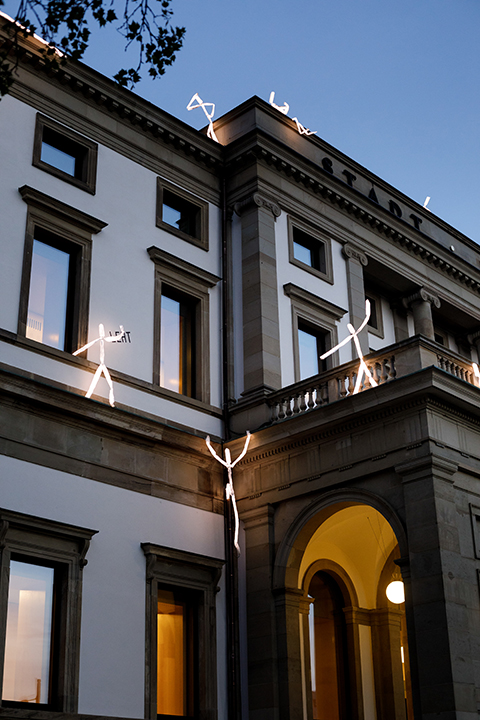 LED light sculpture climbing at Stadtpalais Stuttgart